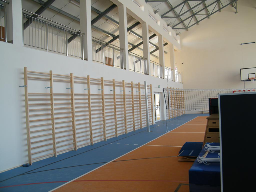 Galeria zdjęć: Kolejny obiekt sportowy na terenie gminy - sala gimnastyczna w Jodłówce już otwarta